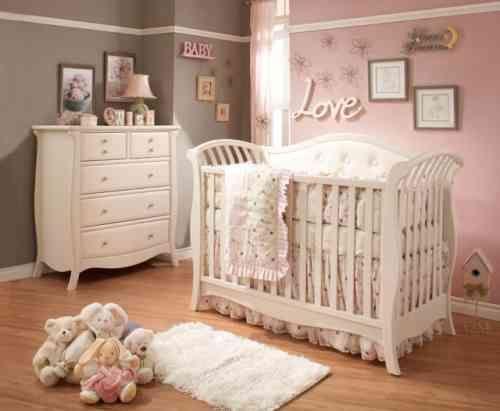 Chambre bébé rose et beige - Idées de tricot gratuit