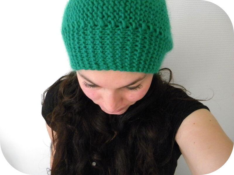 Tricoter un bonnet femme au point mousse - Idées de tricot gratuit f5eb5fdc72e