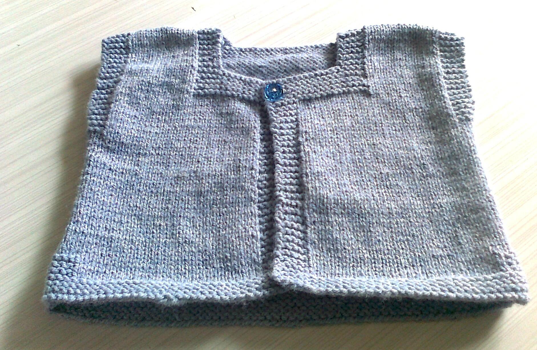 Brassière en laine bébé à tricoter - Idées de tricot gratuit 45501560477