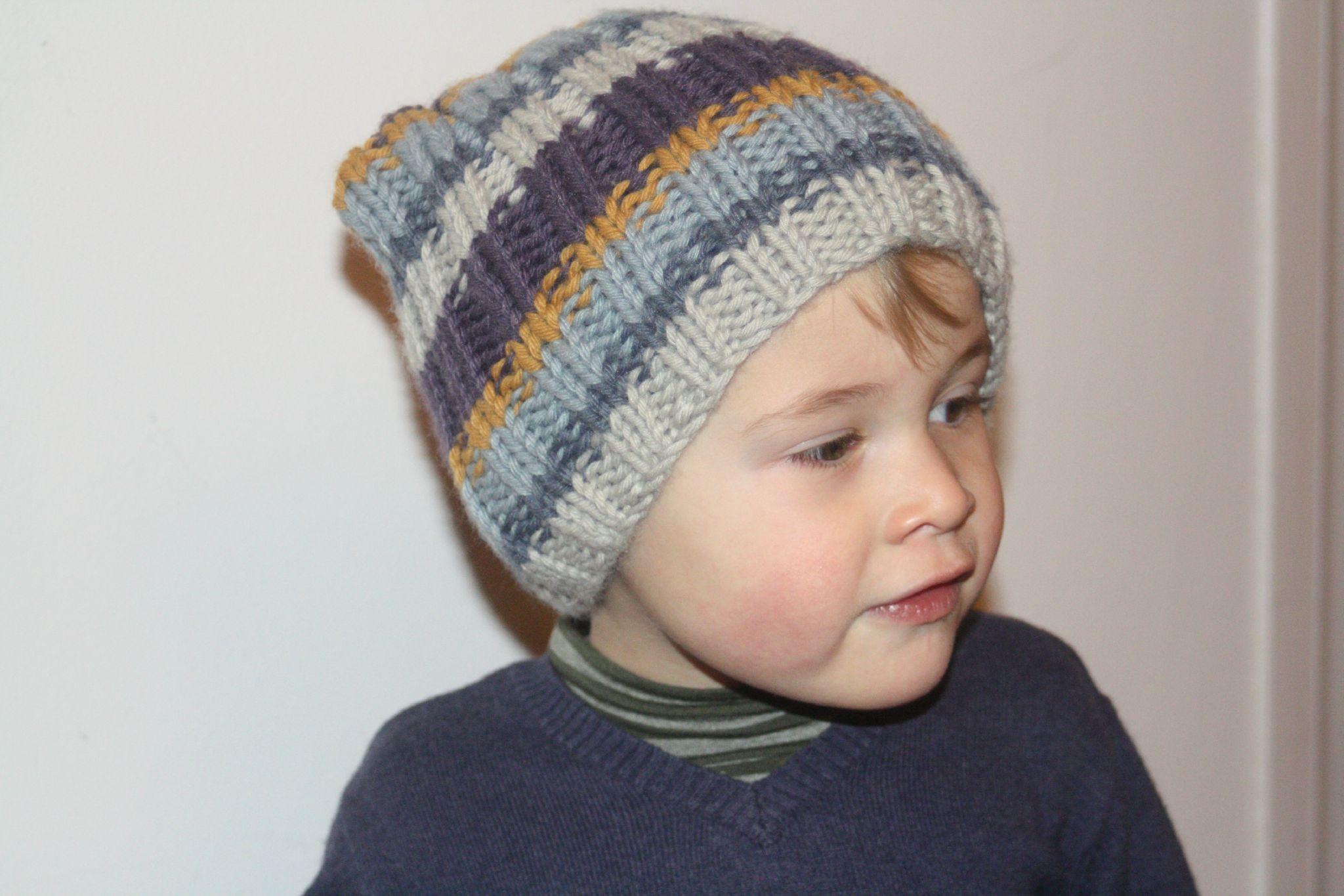 Tricoter un bonnet garcon 2 ans - Idées de tricot gratuit 8d2f9bd7f6e