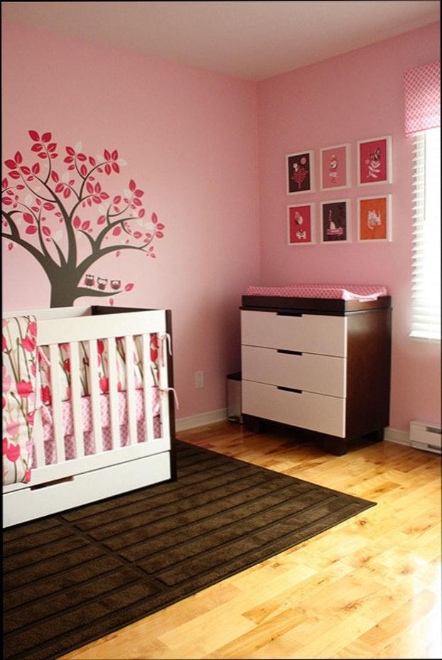 Chambre bébé fille rose et marron - Idées de tricot gratuit