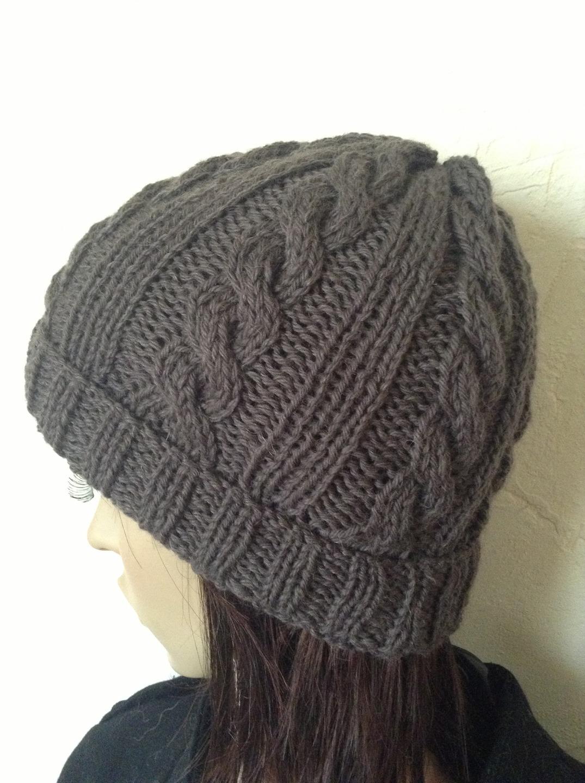 Tricoter un bonnet torsadé femme - Idées de tricot gratuit 281f3ac13a4
