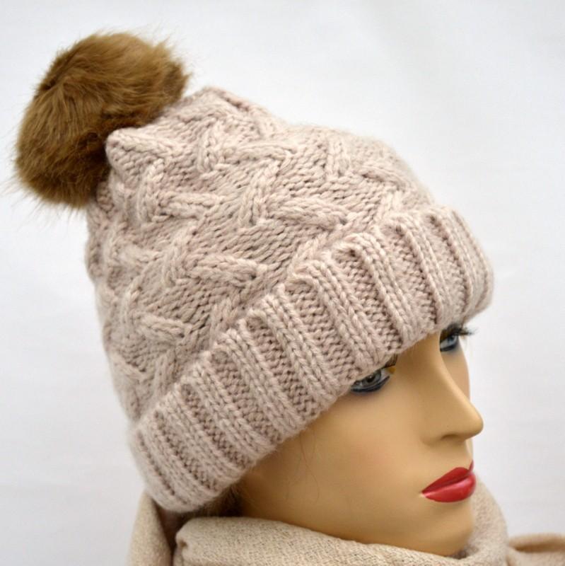 Tricoter un bonnet à pompon - Idées de tricot gratuit