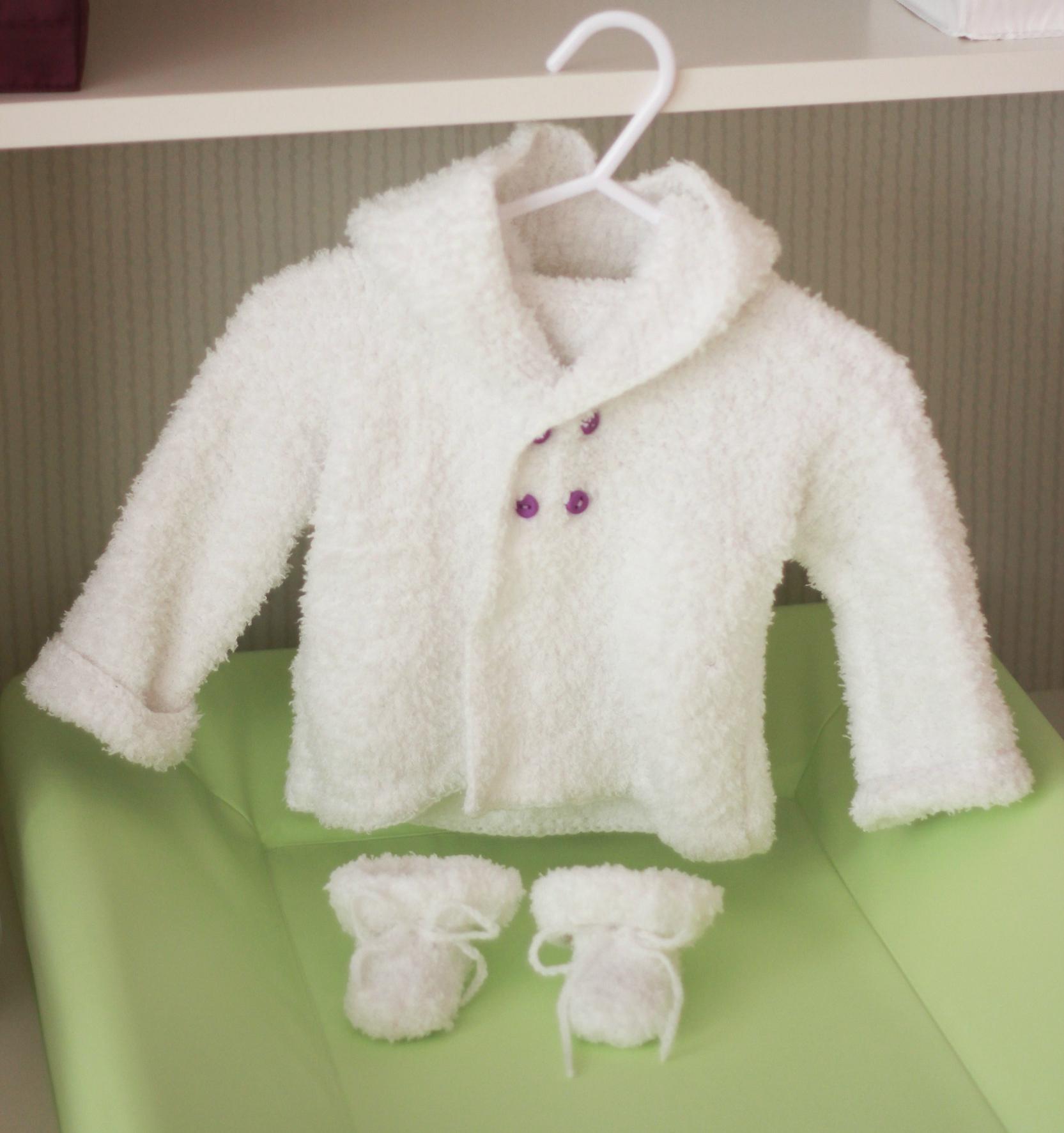 Modele gratuit tricot layette gilet - Idées de tricot gratuit bee3d3567e5