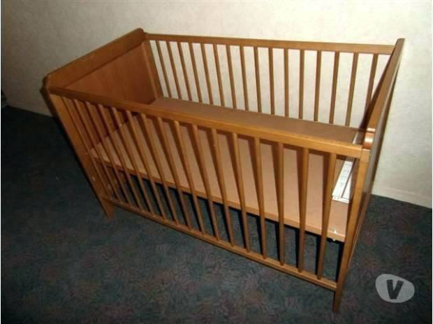 lit b b ikea evolutif id es de tricot gratuit. Black Bedroom Furniture Sets. Home Design Ideas