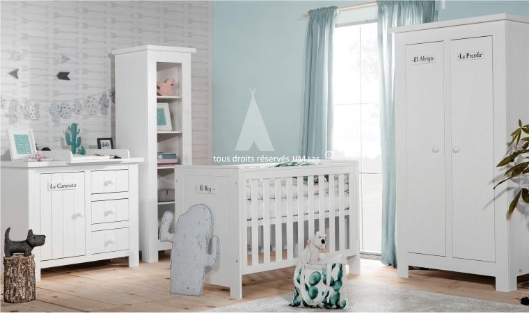 Chambre bebe bois et blanc