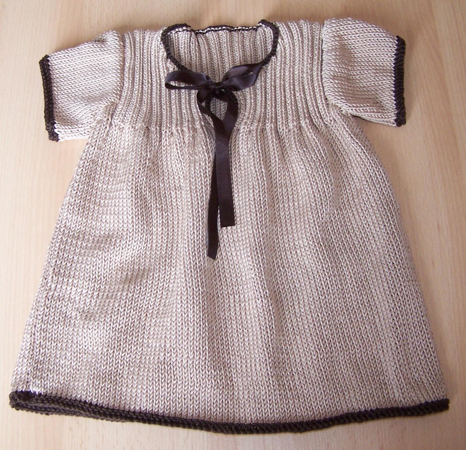 79f62275e556b Robe a tricoter pour bebe - Idées de tricot gratuit