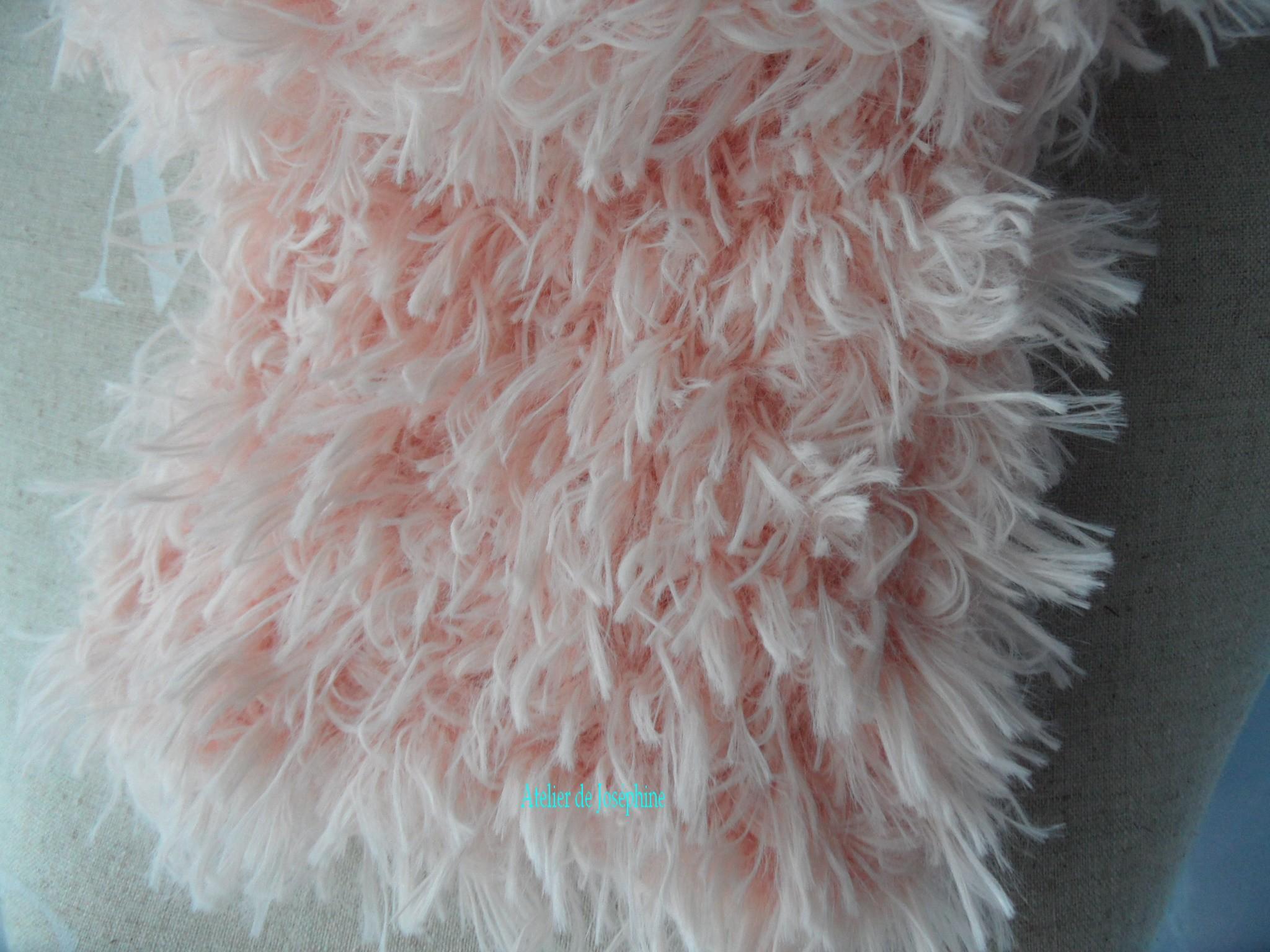 Tricoter un snood en laine fourrure