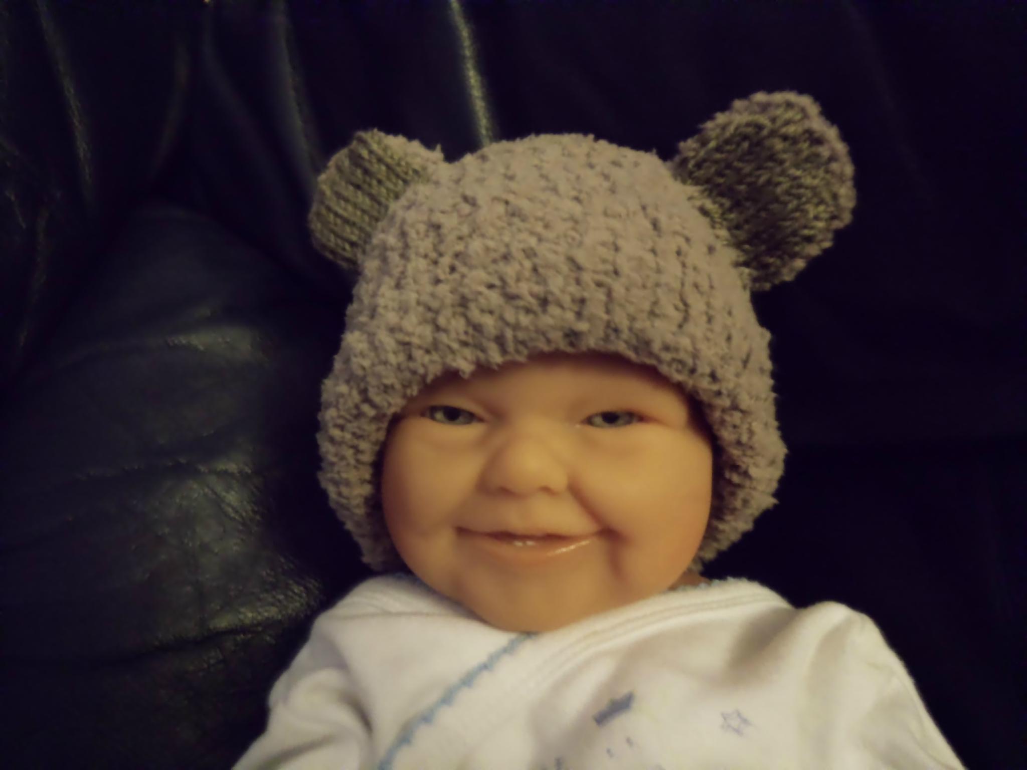 Tricoter un bonnet bébé avec oreilles - Idées de tricot gratuit 3a9f4a6edc6