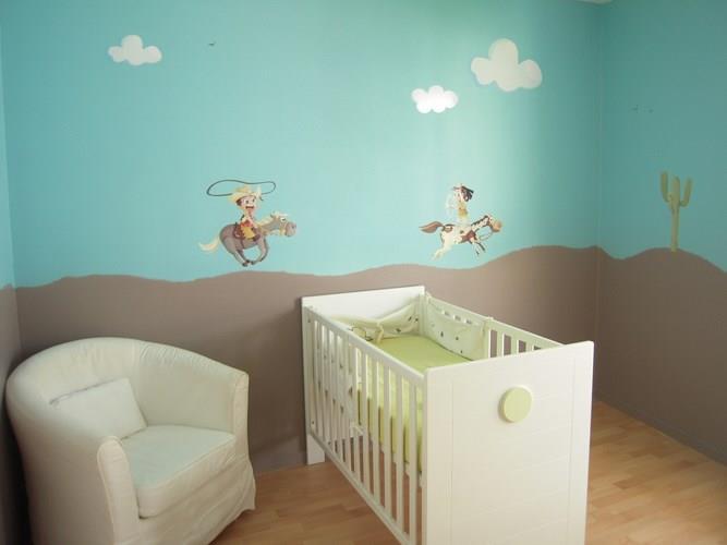 Idée tapisserie chambre bébé garçon