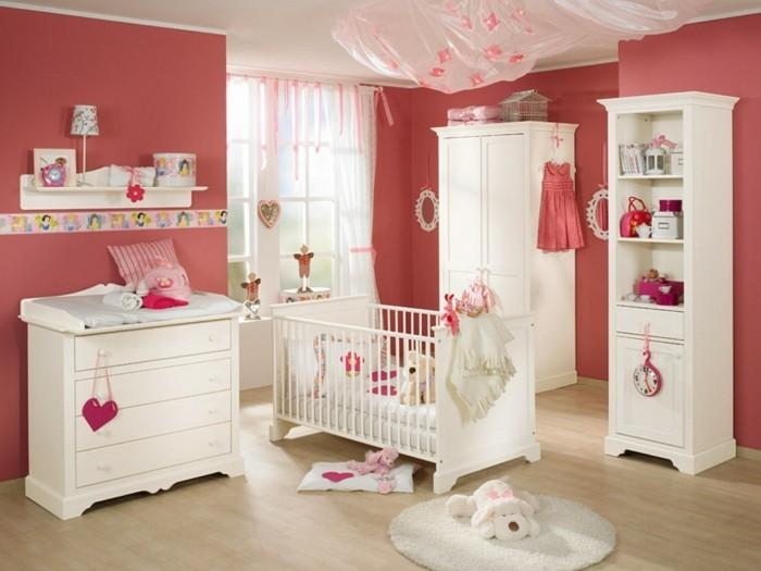 Chambre bébé fille rouge - Idées de tricot gratuit