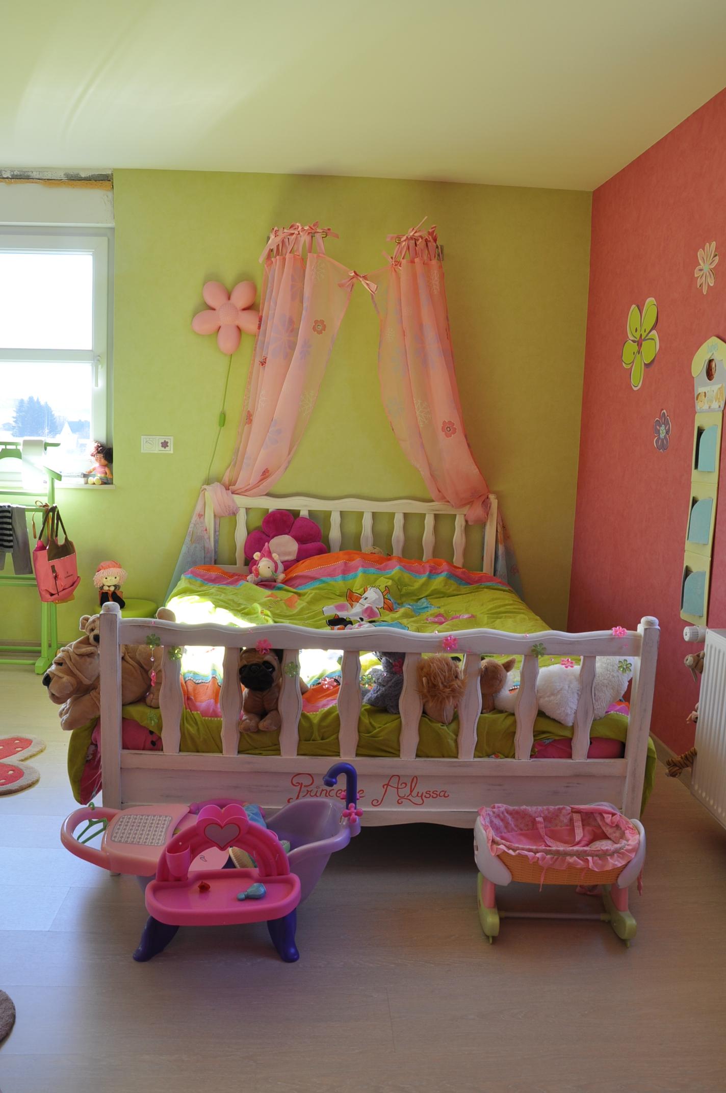 Chambre Bebe Fille Rose Et Vert Idees De Tricot Gratuit