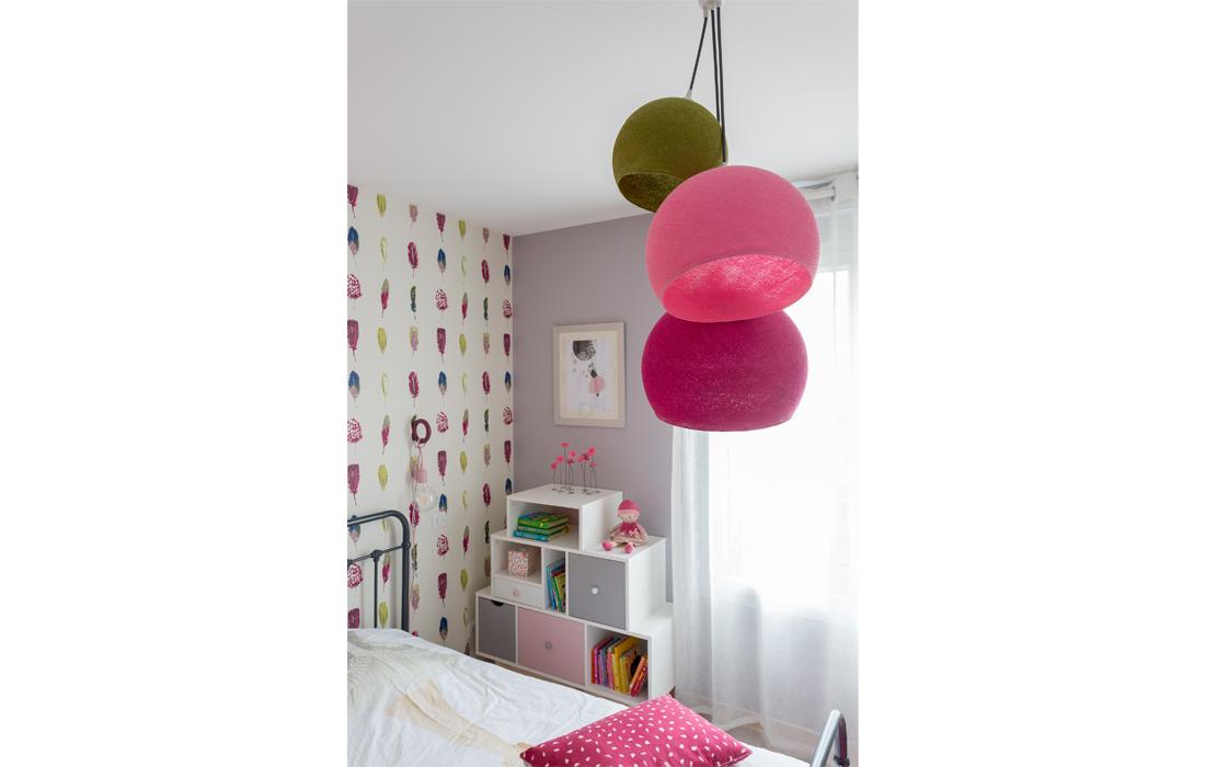 Suspension chambre bébé rose