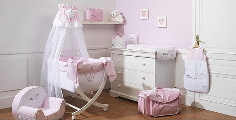 Decorer une chambre bebe fille id es de tricot gratuit - Decorer une chambre bebe ...