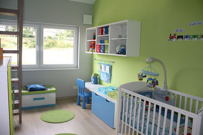 Chambre bébé garçon vert et bleu - Idées de tricot gratuit