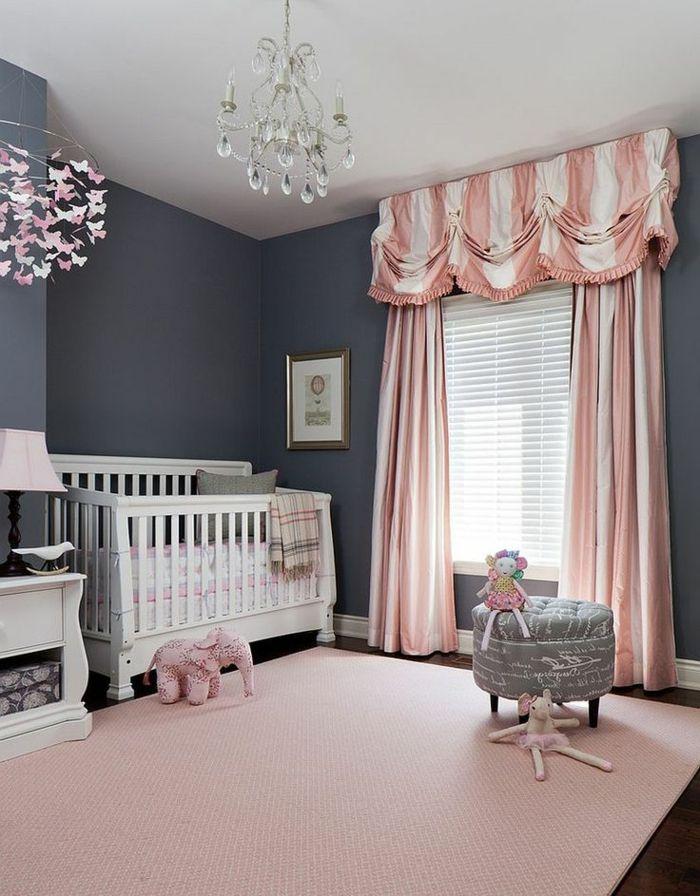 Tapis gris et blanc chambre bébé