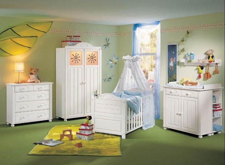 Chambre de bébé vert anis
