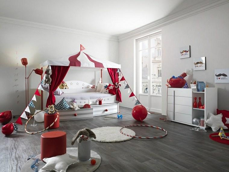 Chambre bébé rouge et beige - Idées de tricot gratuit