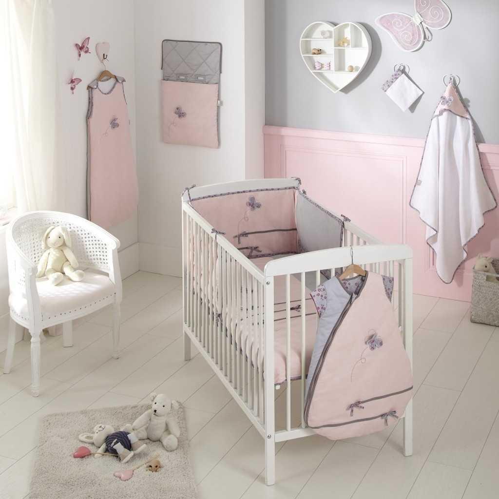 Deco chambre bebe fille rose poudré