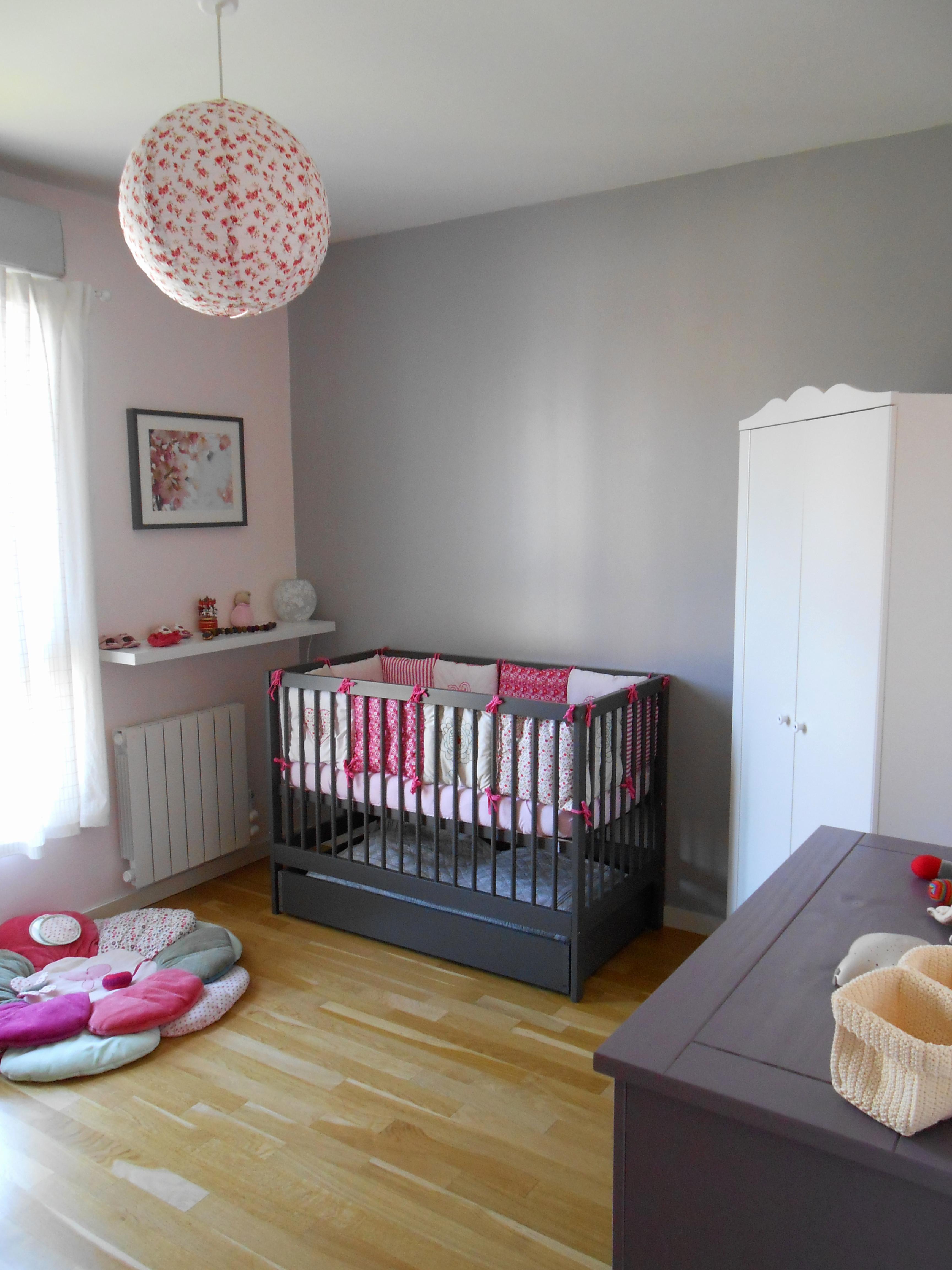 Chambre de bébé fille gris et rose - Idées de tricot gratuit