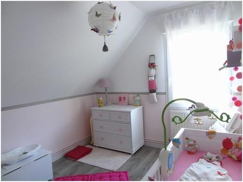 Décoration chambre bébé fille taupe