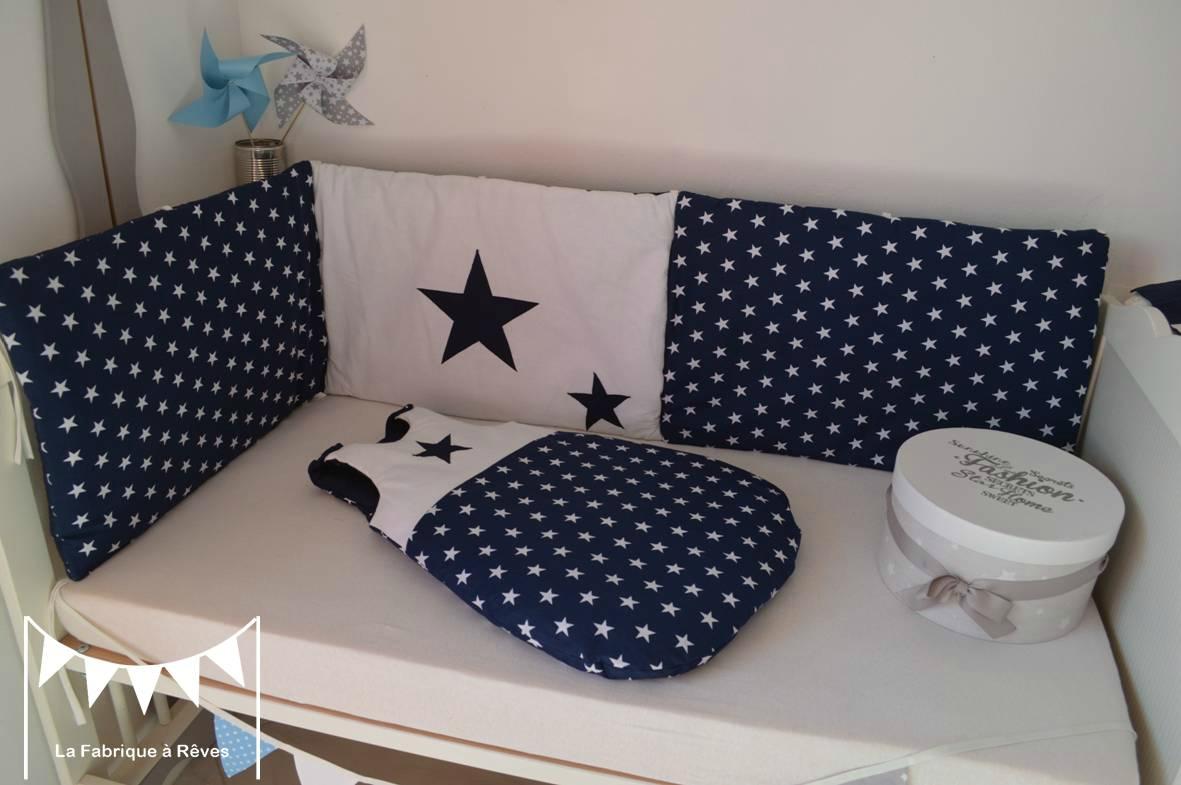 Tour de lit bébé rouge et gris - Idées de tricot gratuit