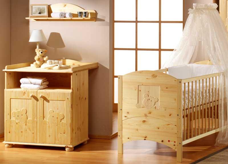 Chambre de bébé en bois massif - Idées de tricot gratuit