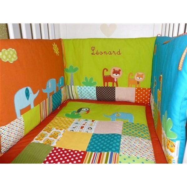 Suspension chambre bébé jungle