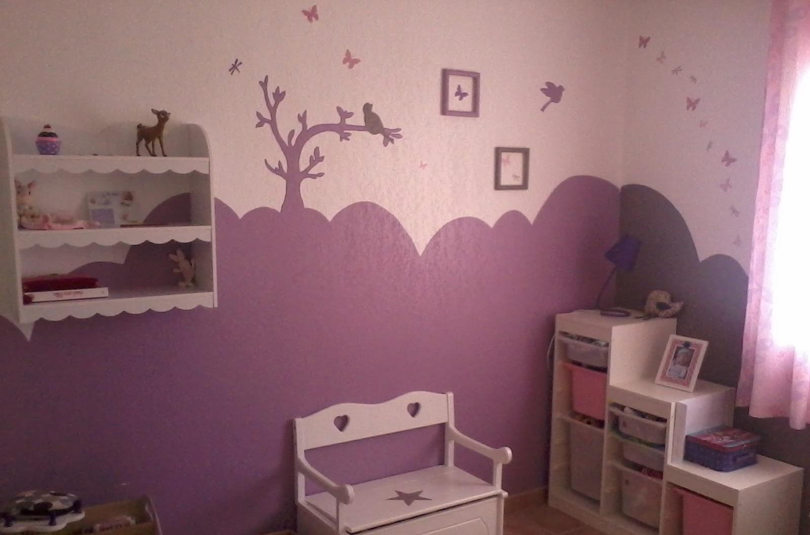 Chambre bébé mauve et blanc - Idées de tricot gratuit