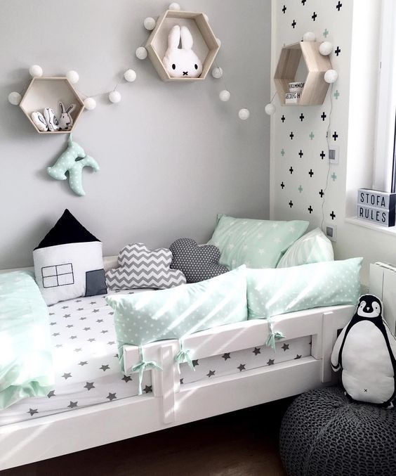 Chambre bébé gris et vert d\'eau - Idées de tricot gratuit