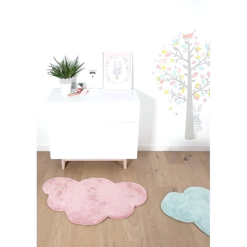 tapis rose poudr chambre bebe id es de tricot gratuit. Black Bedroom Furniture Sets. Home Design Ideas