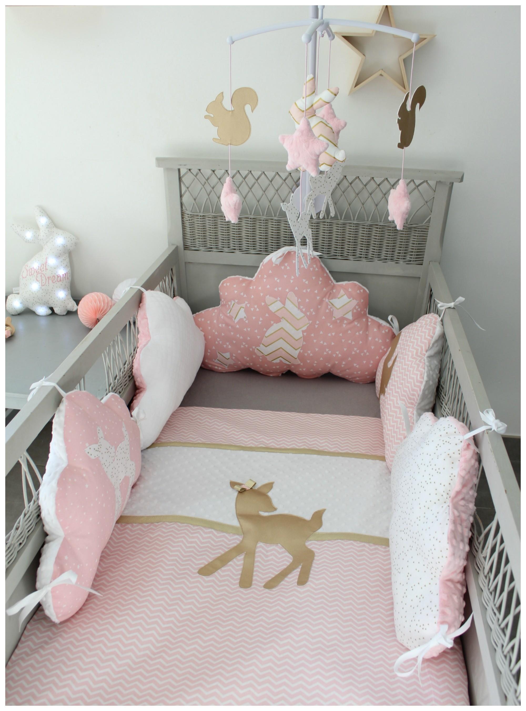 Tour de lit bébé rose et blanc - Idées de tricot gratuit